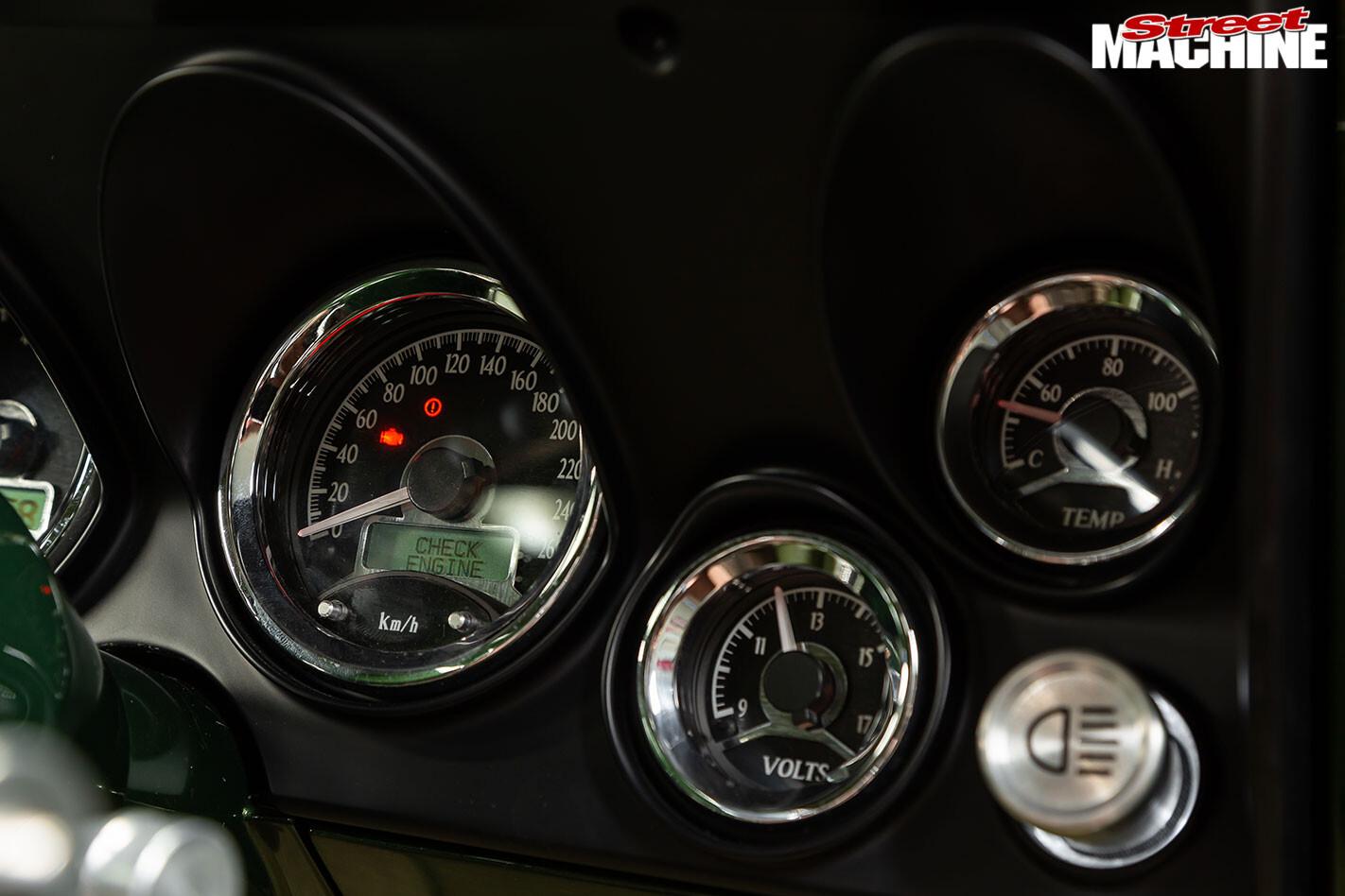 Holden HT Monaro gauges