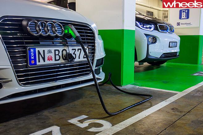 BMW-i 3-vs -Audi -A3-e -tron