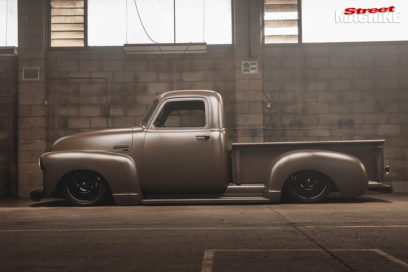 SMALL-BLOCK-1950-CHEVROLET-3100-PICK-UP-profile