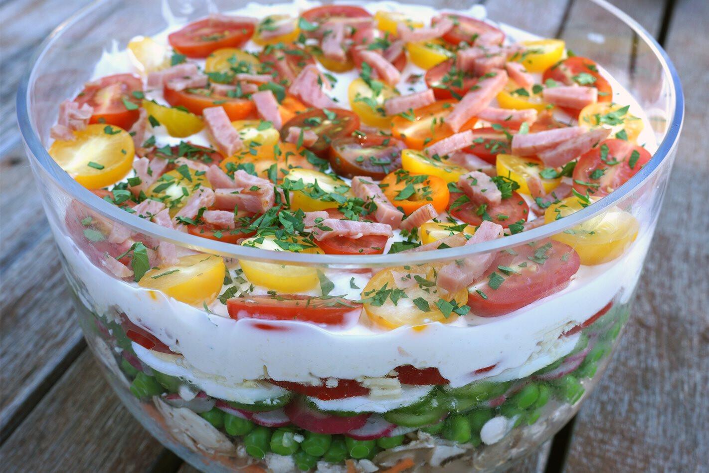 recipe Mazs layered garden salad main