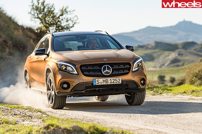 2017-Mercedes -Benz -GLA-220d -driving -front