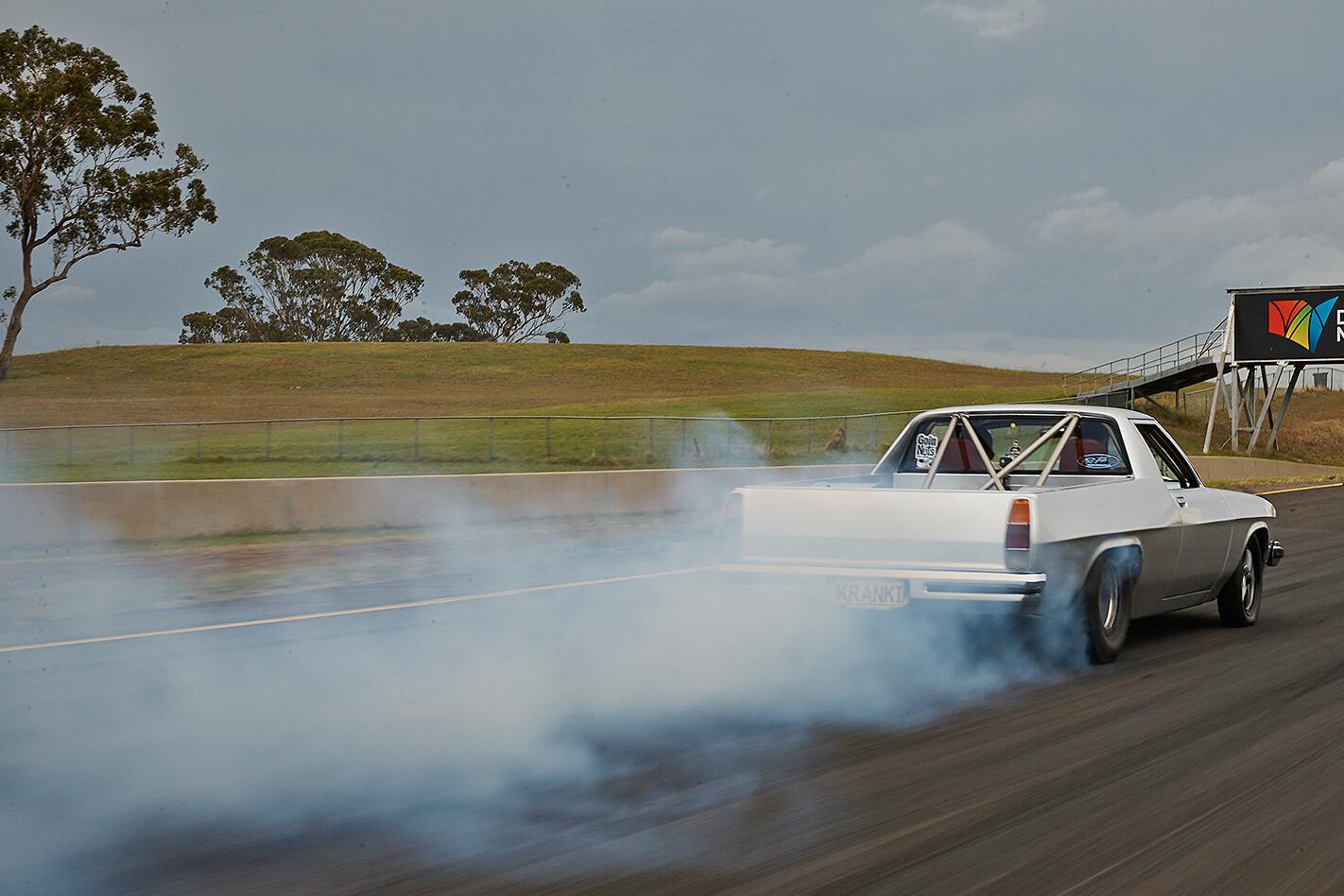 Holden HJ ute at Powercruise