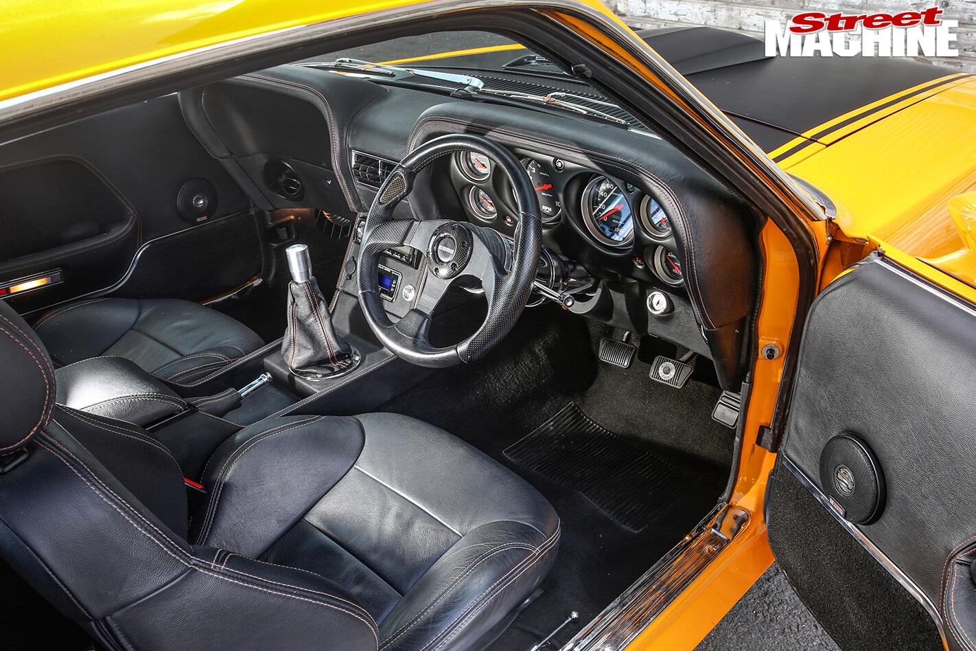 Ford -Mustang -BOSS-interior