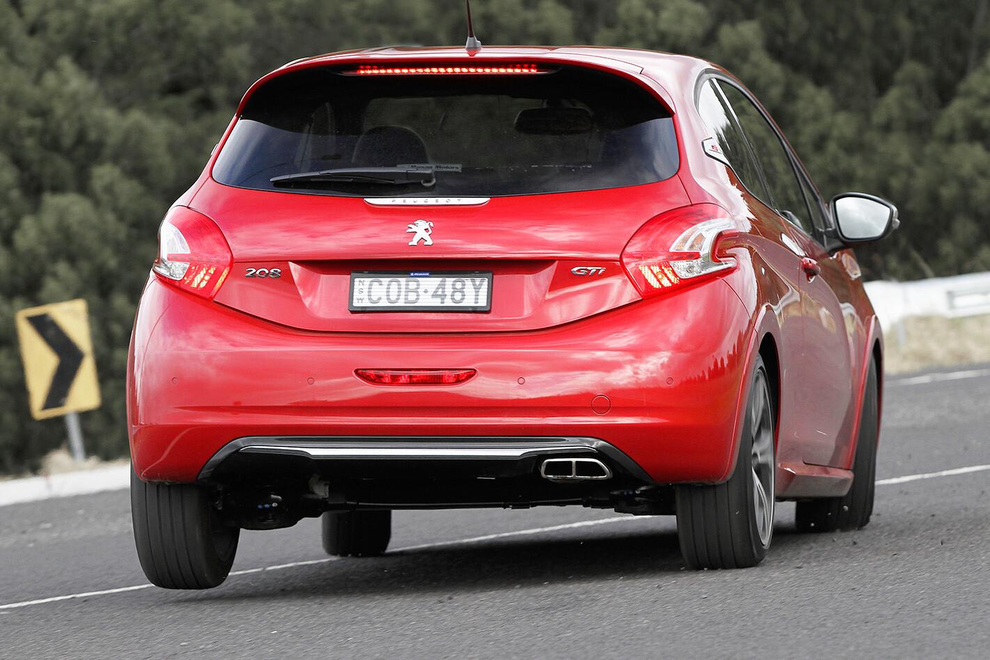 Peugeot 208 GTi rear
