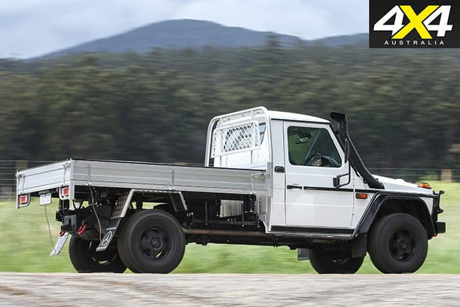 Mercedes Benz W461 G300-CDI Cab-Chassis side
