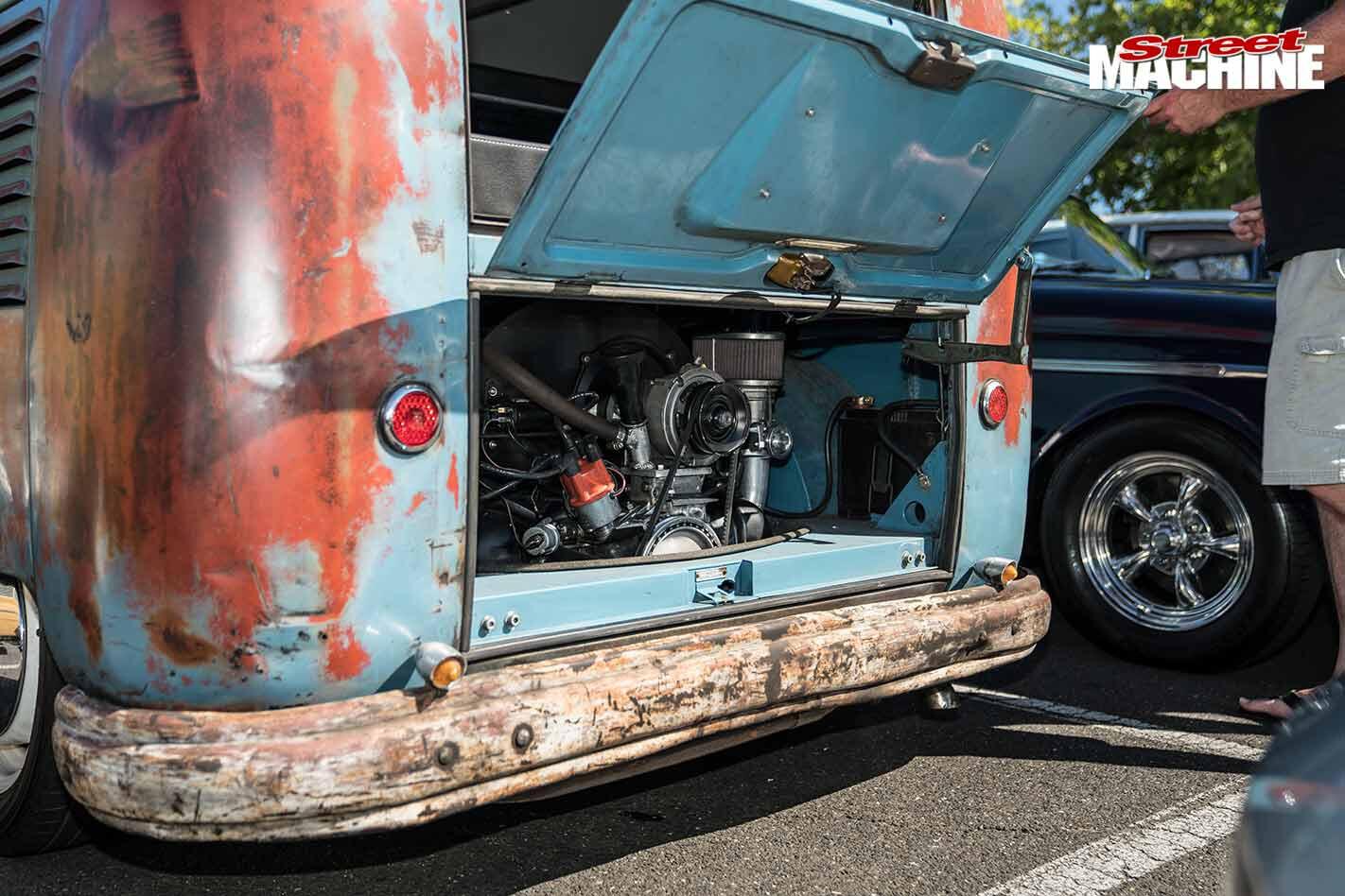 VW Kombi engine