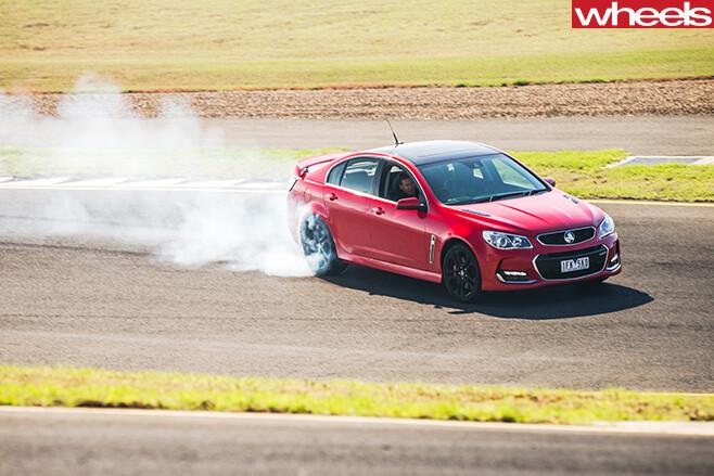 Holden -Commodore -drifting