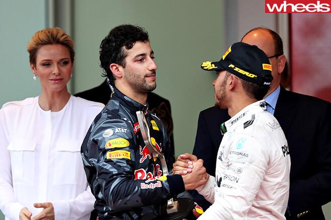 Daniel -Ricciardo -shaking -hands -Lewis -Hamilton