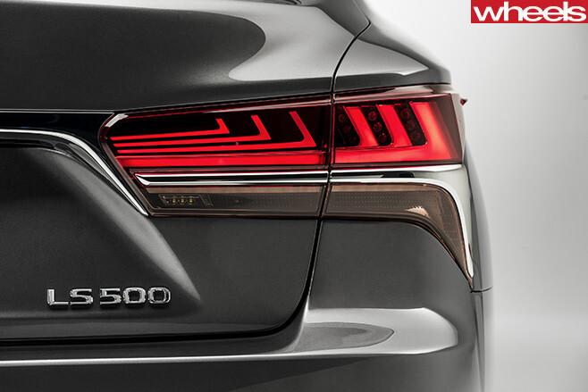 2018-Lexus -LS-500-taillights