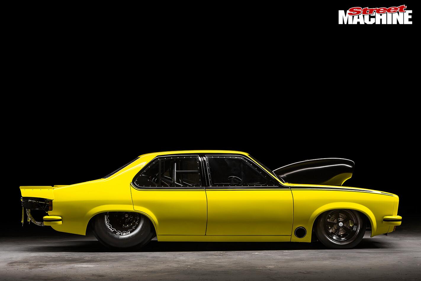 Holden -lx -torana -side -view