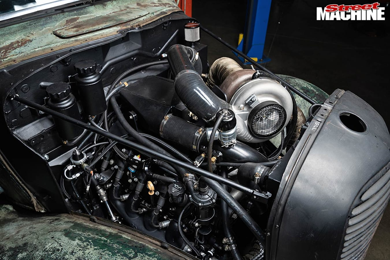 Ford pick-up engine