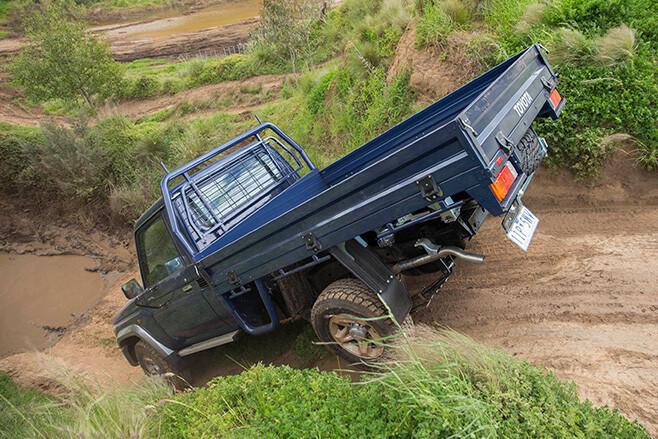 70 series landcruiser downhill rear
