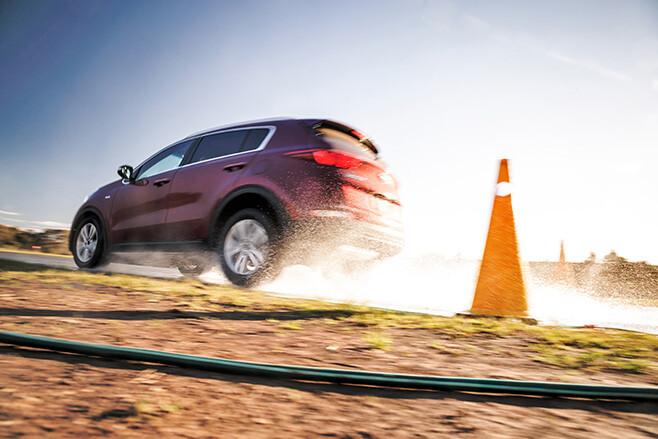 Kia Sportage tyre test wet braking