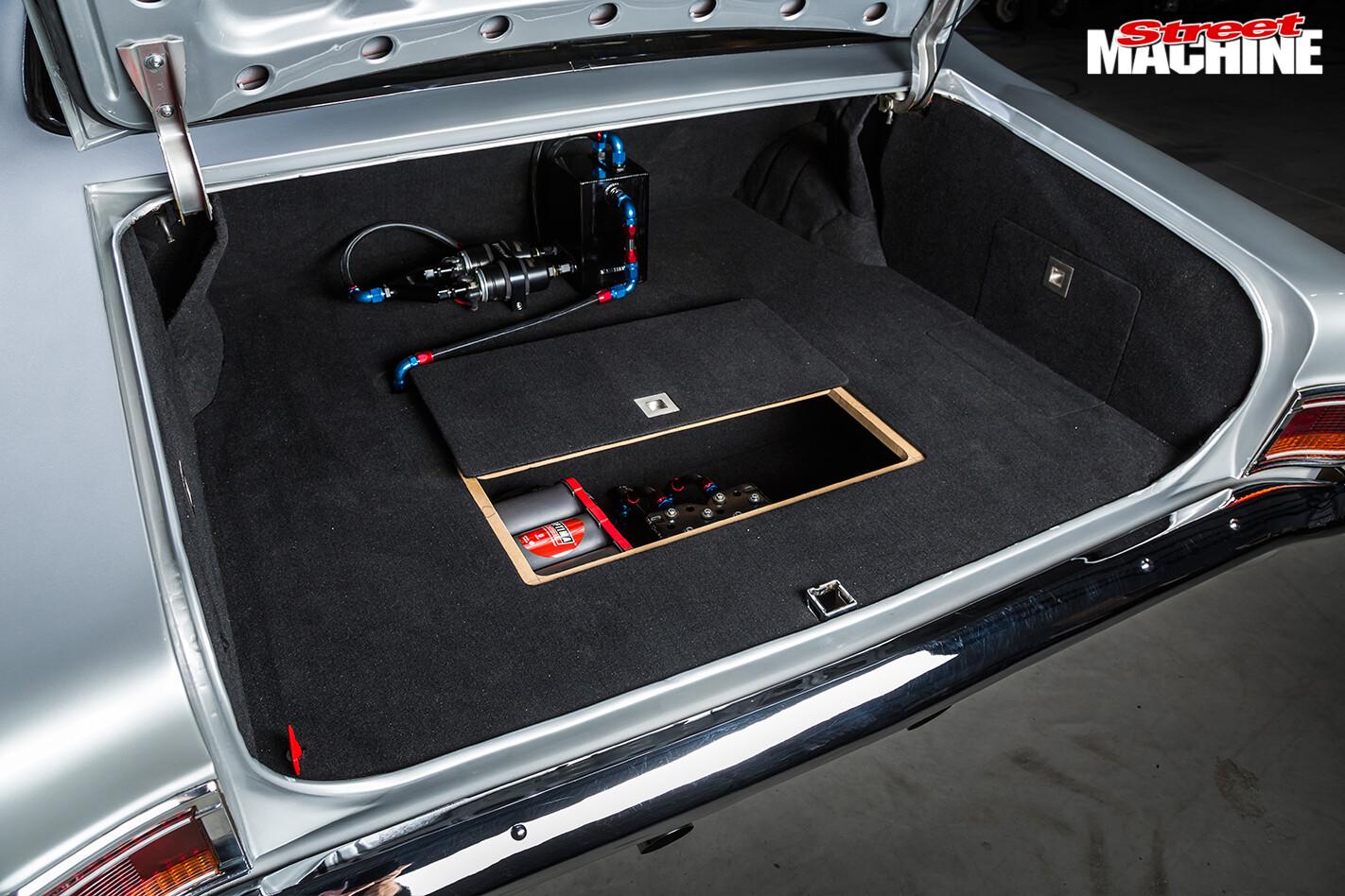 Holden -HG-Monaro -boot
