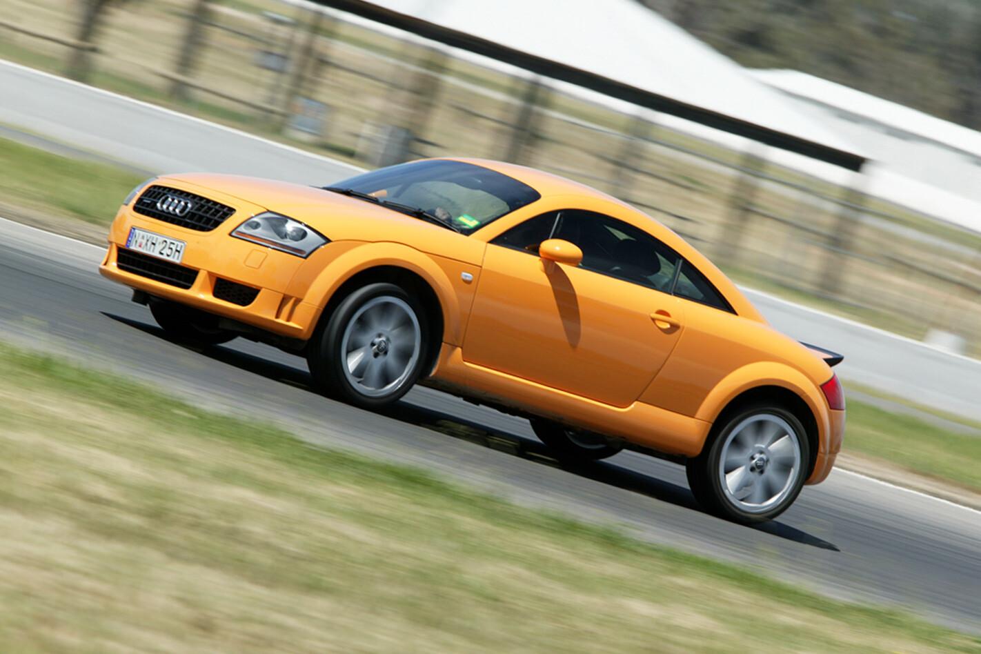 2004-Audi-TT-V6.jpg