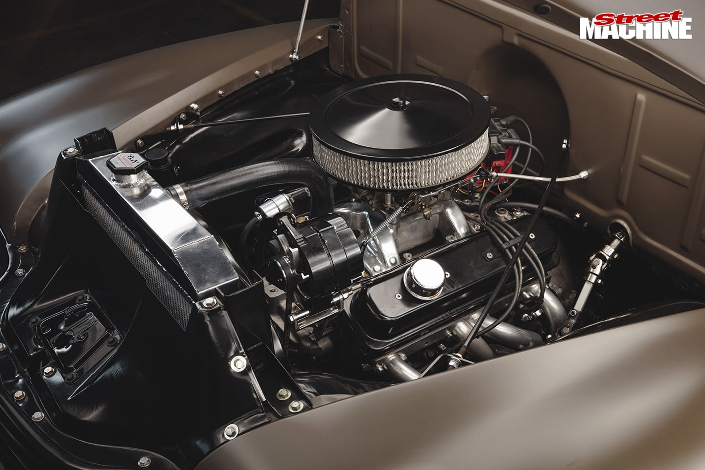 SMALL-BLOCK-1950-CHEVROLET-3100-PICK-UP-engine