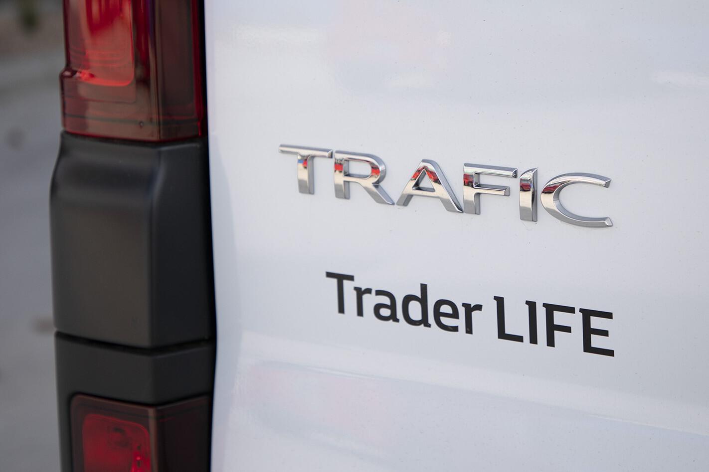 2019 Renault Trafic Traderlife Review Badge Jpg