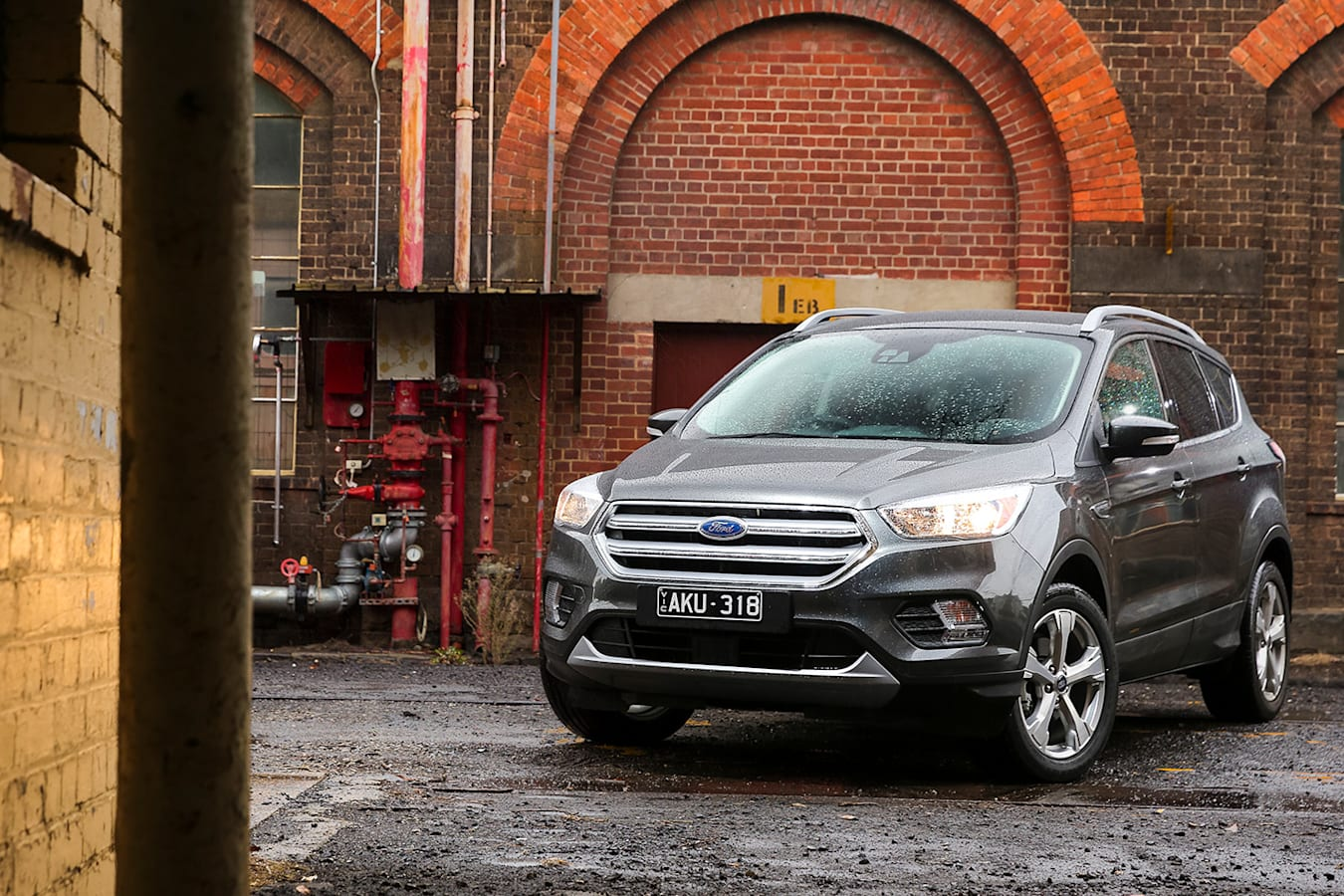 Ford Escape Trend Front Qtr Jpg