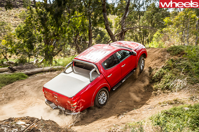 Mitsubishi -Triton -top -side -driving -up