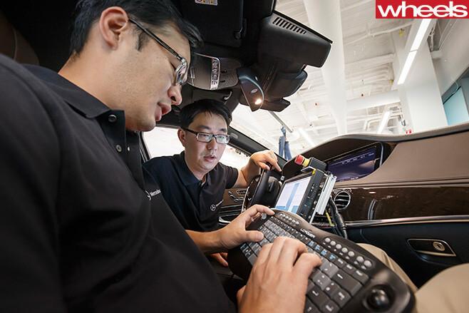Mercedes -E-Class -engineers