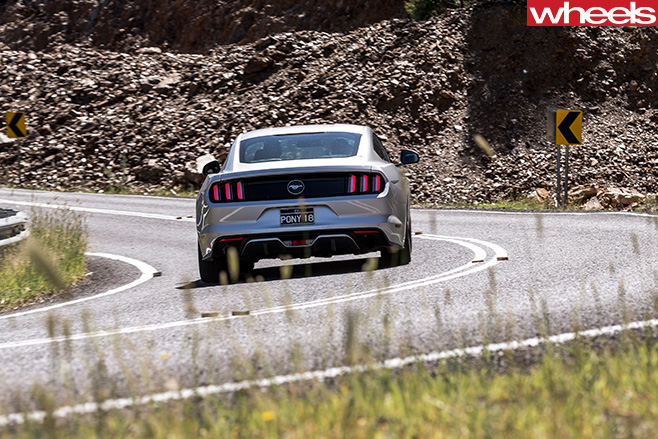 Silver -Ford -Mustang -rear