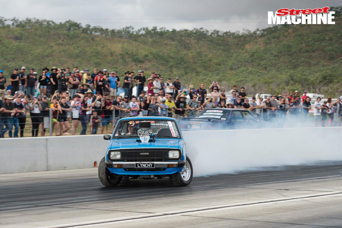 Lynchy V8 Corolla Burnout