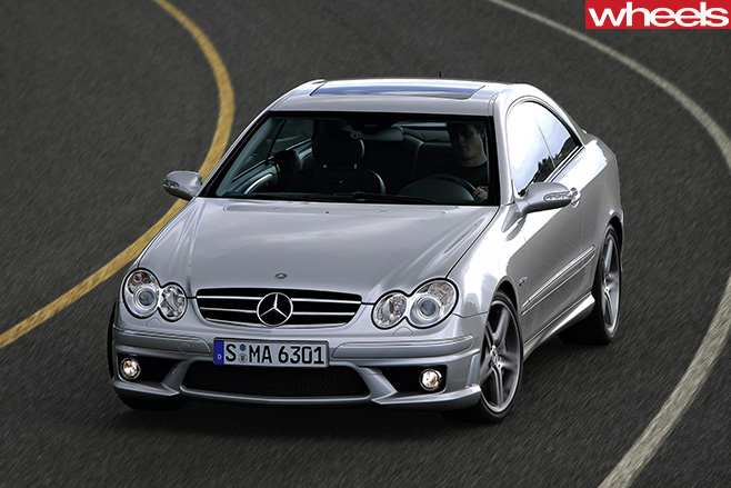 Mercedes -AMG-CLK63-driving