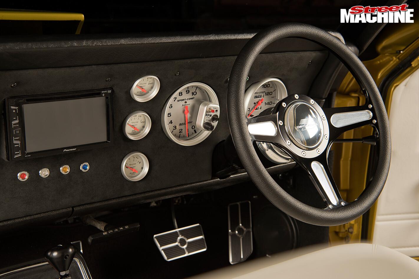 Ford -xs -falcon -dash