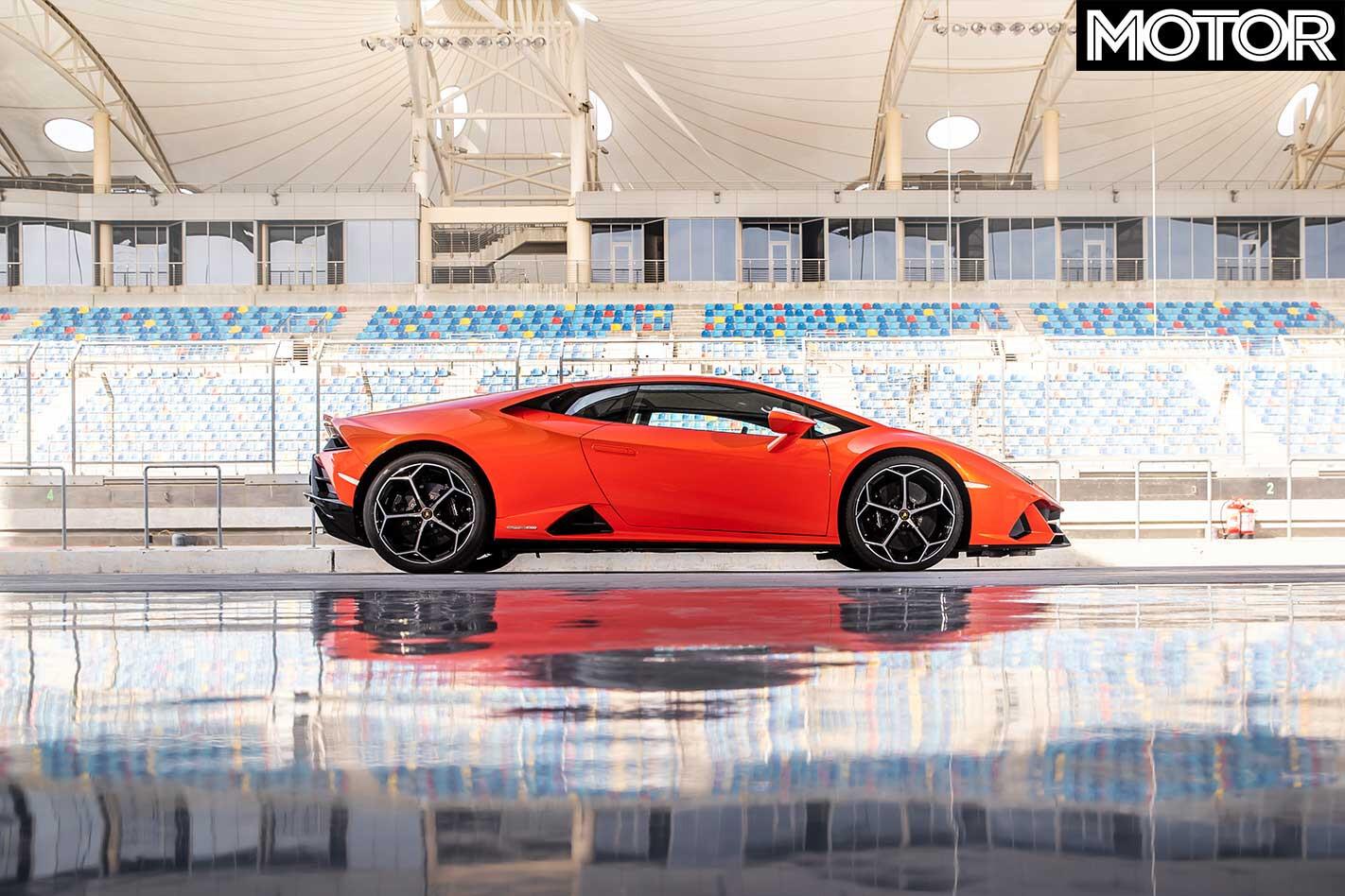 2019 Lamborghini Huracan Evo Side Profile Jpg