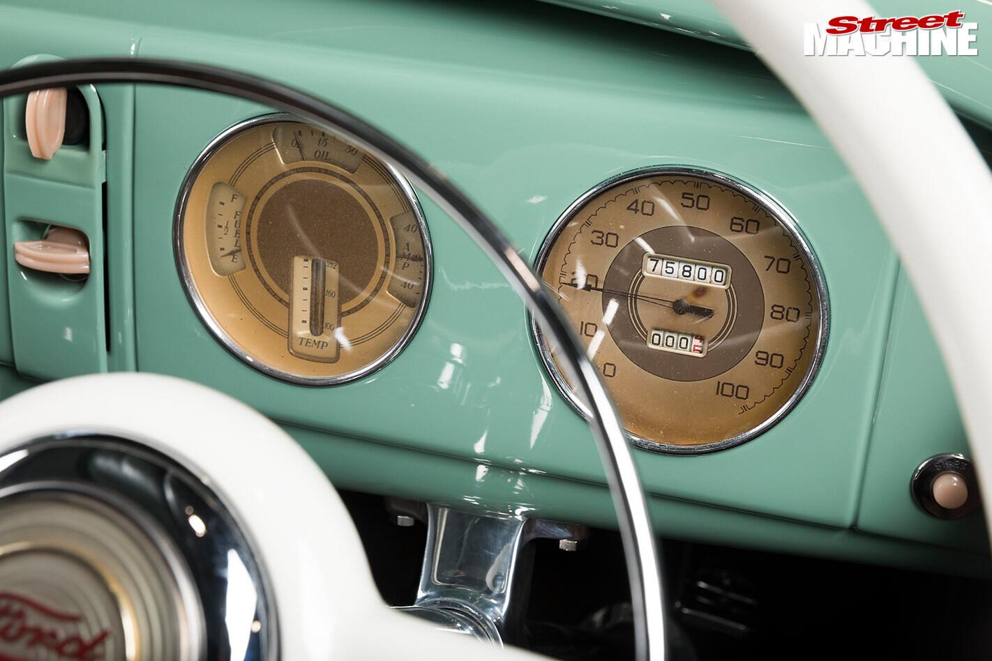 1932 roadster dash