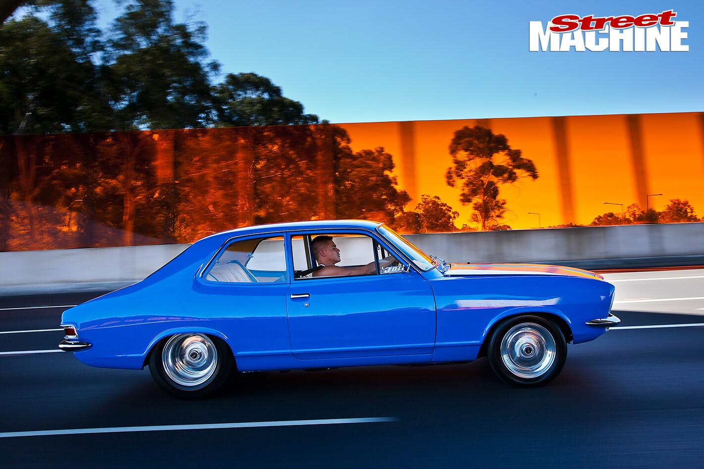 Holden -LJ-Torana -Coupe -side