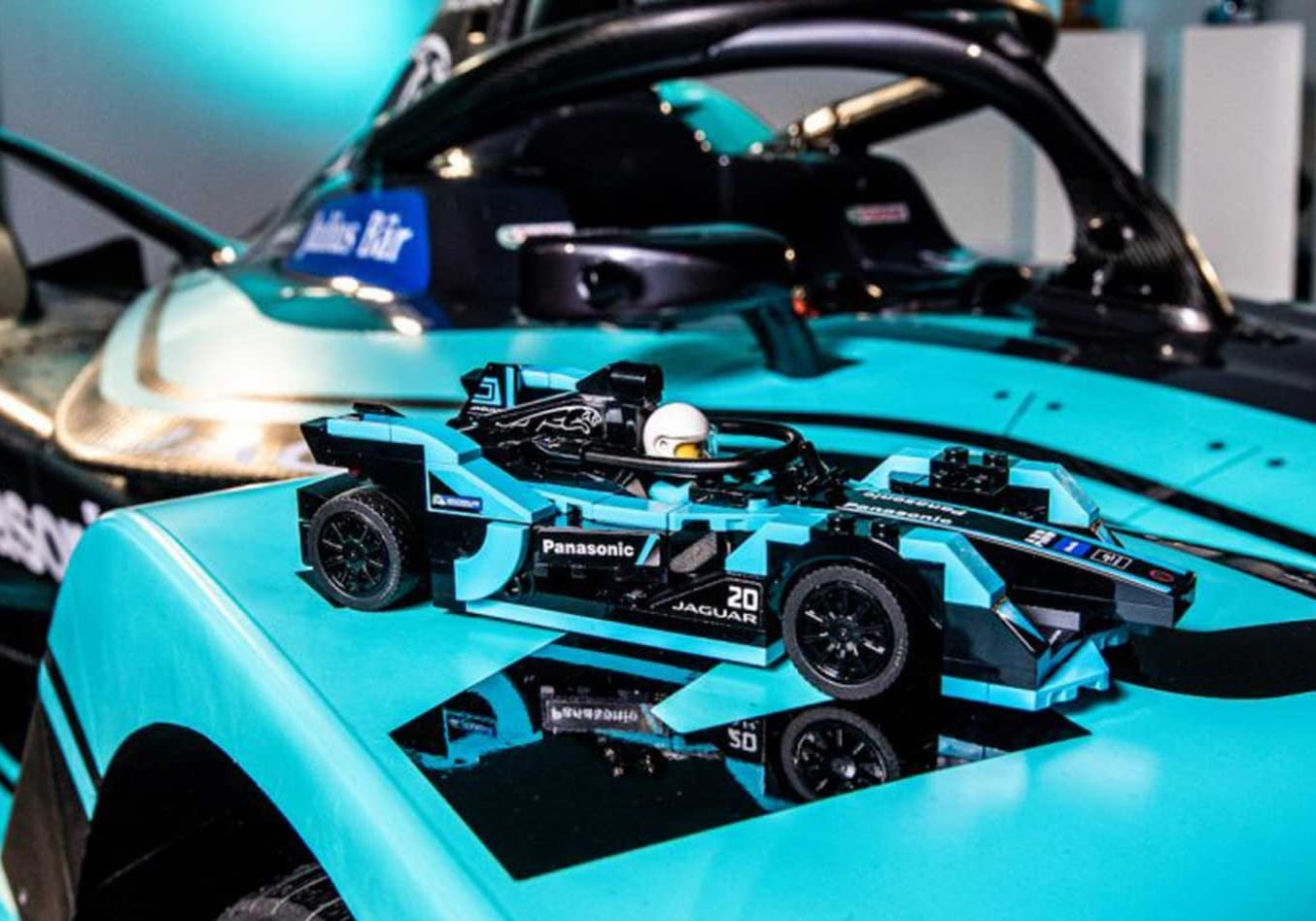 Jaguar Formula E and i-Pace eTROPHY racers Lego Speed Champions series