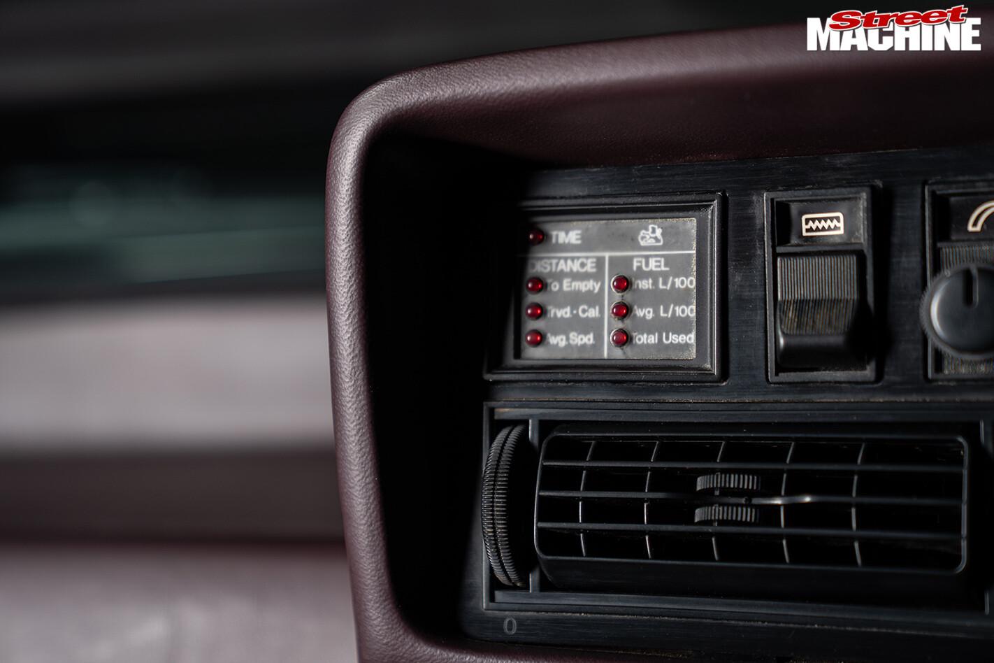 Holden VH Commodore SL/E dash