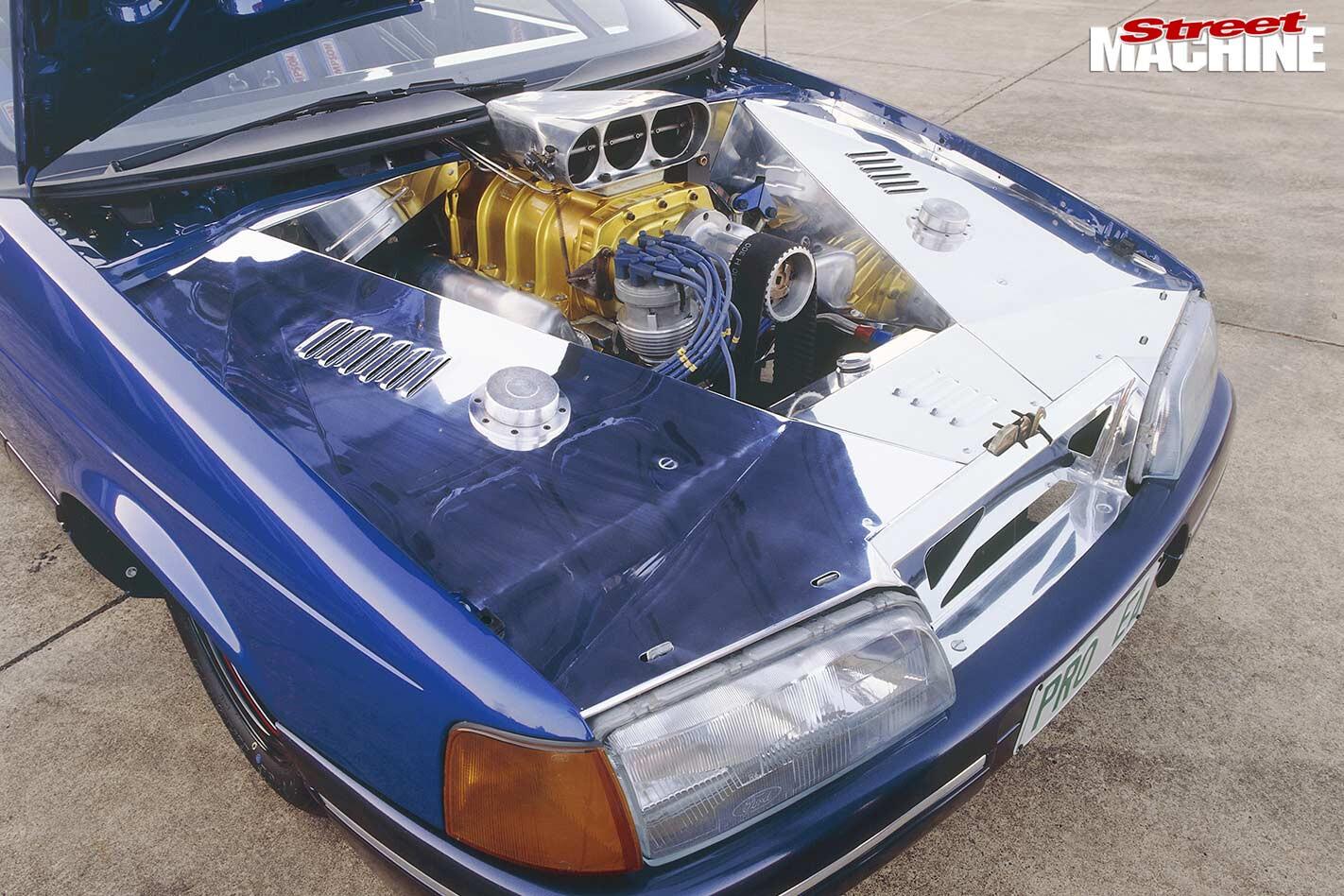 pro street Ford EA engine bay