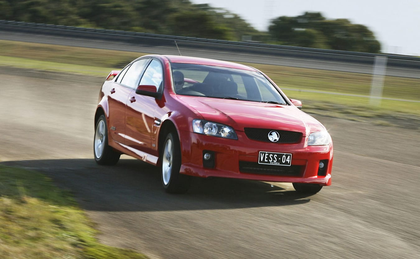 Holden VE Commodore SS or HSV VZ Clubsport