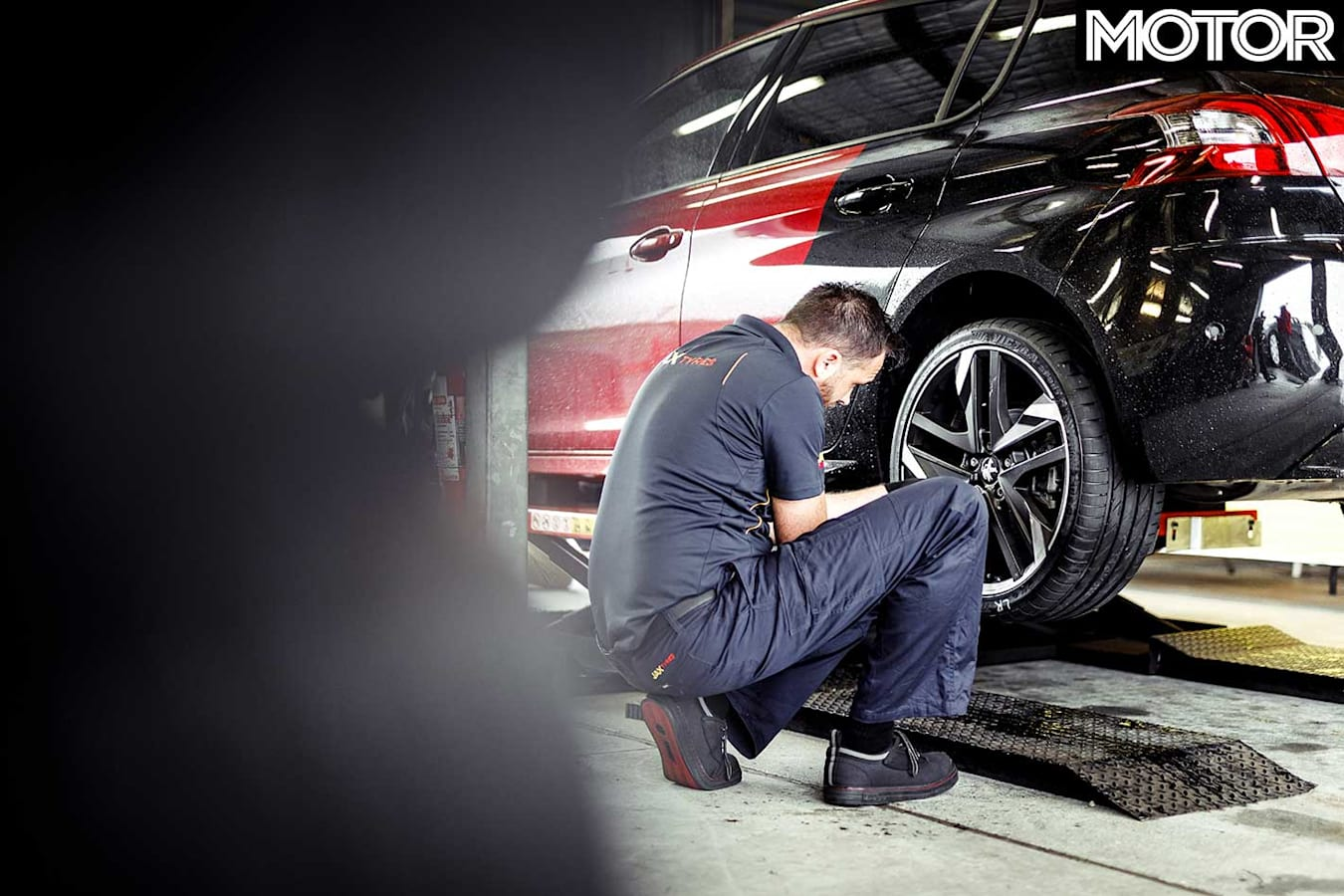 MOTOR-Tyre-Test-2019-tyre-fitment