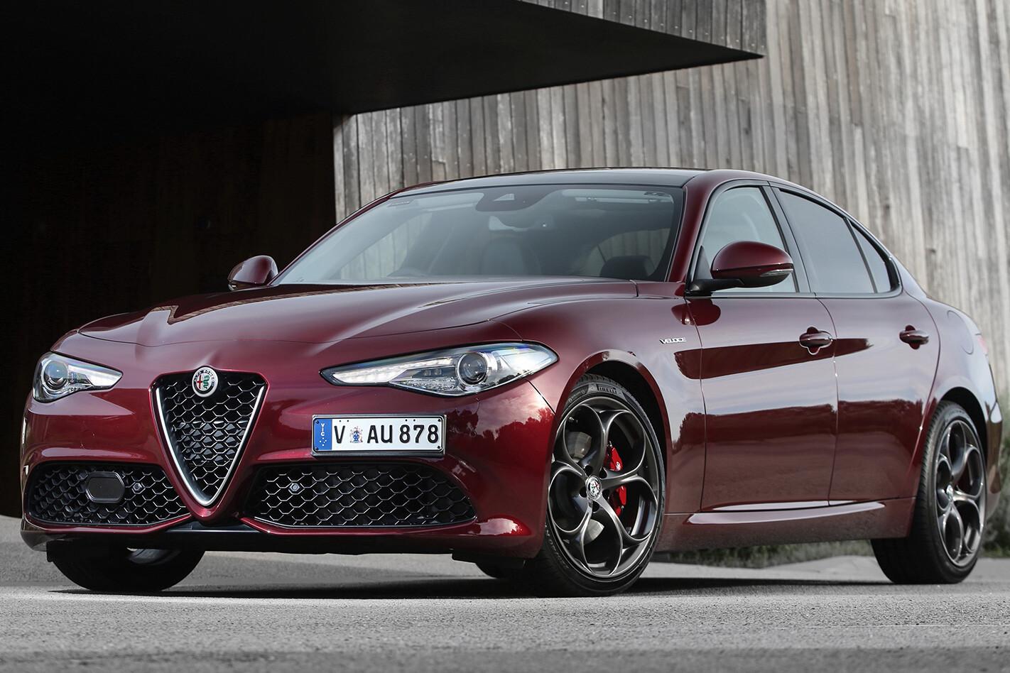 2017 Alfa Romeo Giulia Veloce front facing
