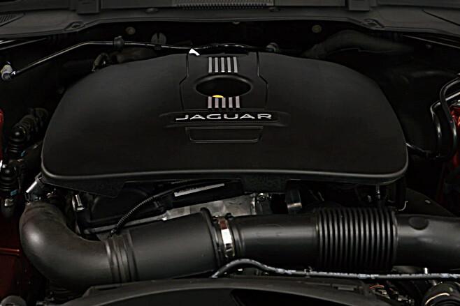 Jaguar XE Engine