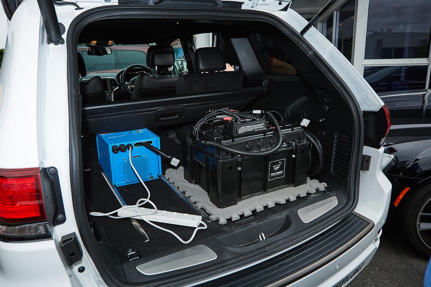 2017 Jeep Grand Cherokee  boot