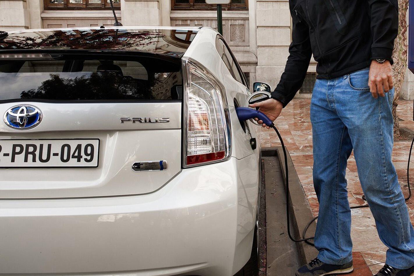 Toyota Prius charging