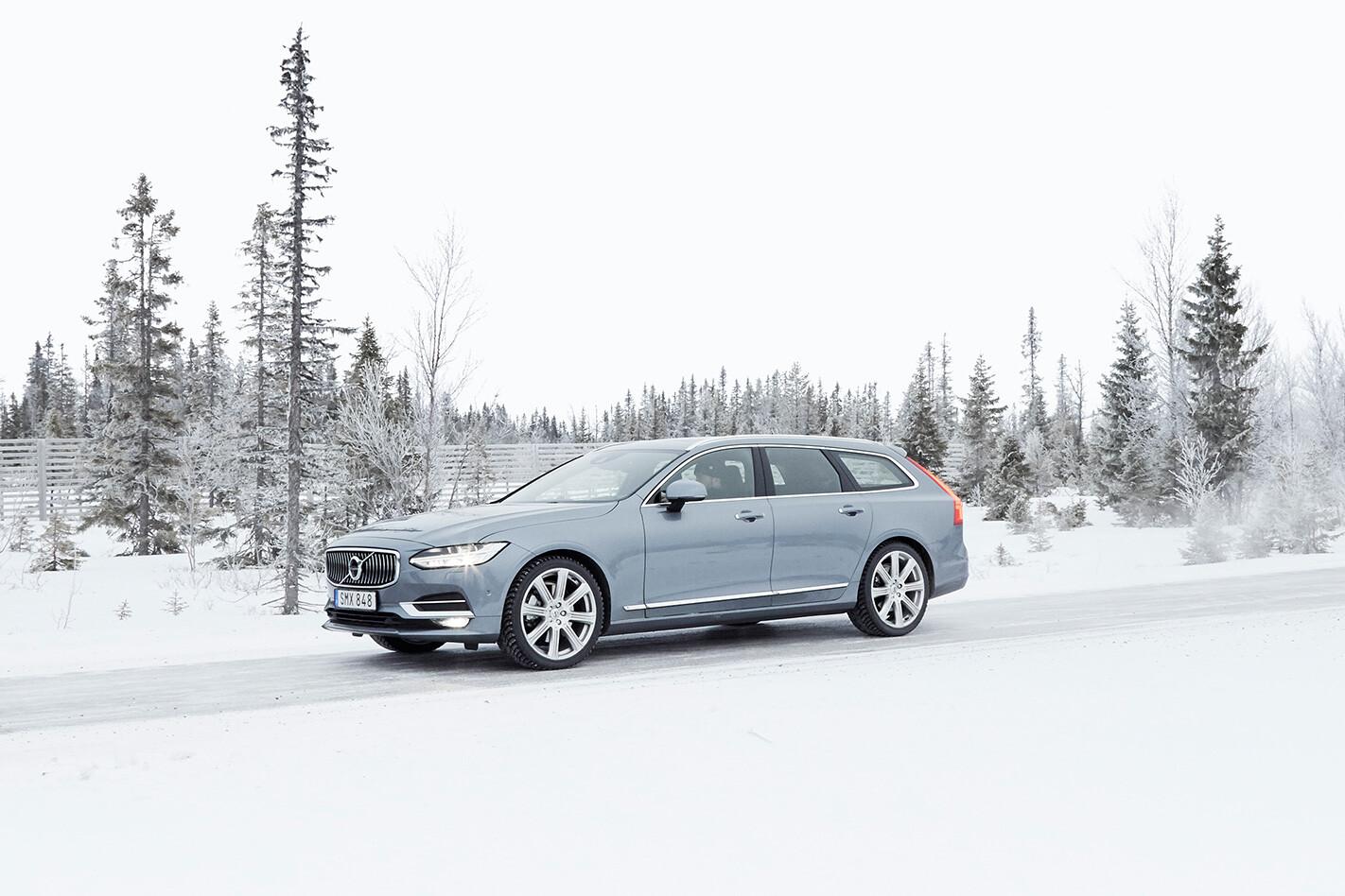 Volvo V 90 Front Quarter Jpg