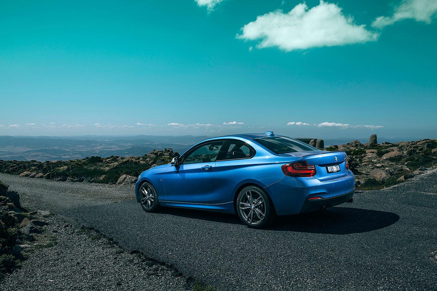 BMW-M235i -rear -static