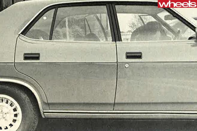 1975-Ford -Falcon -XC-side