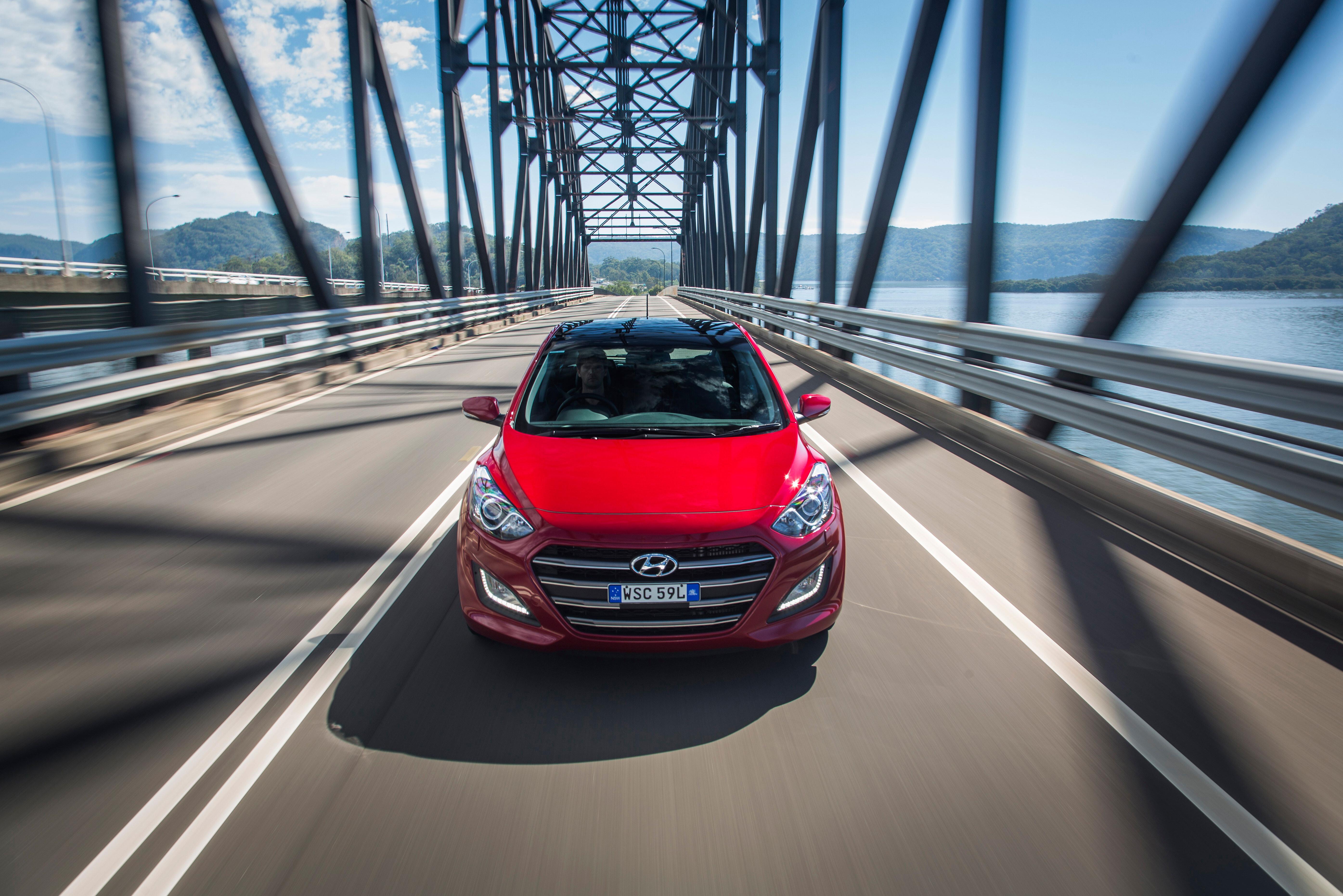 2015_Hyundai _i 30_review _11