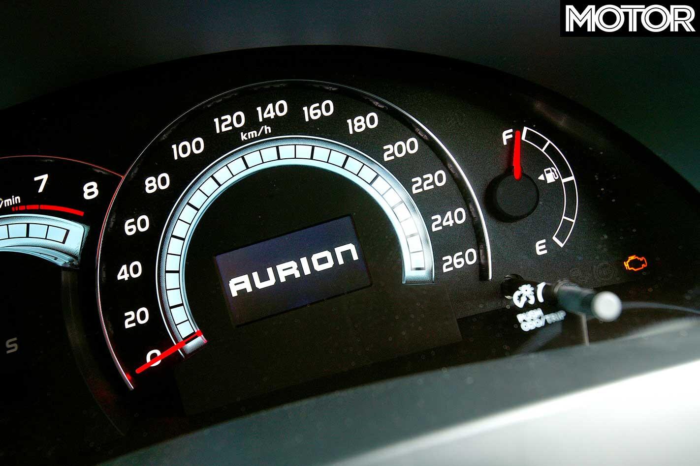 2006 Toyota Aurion Instrumentation Jpg