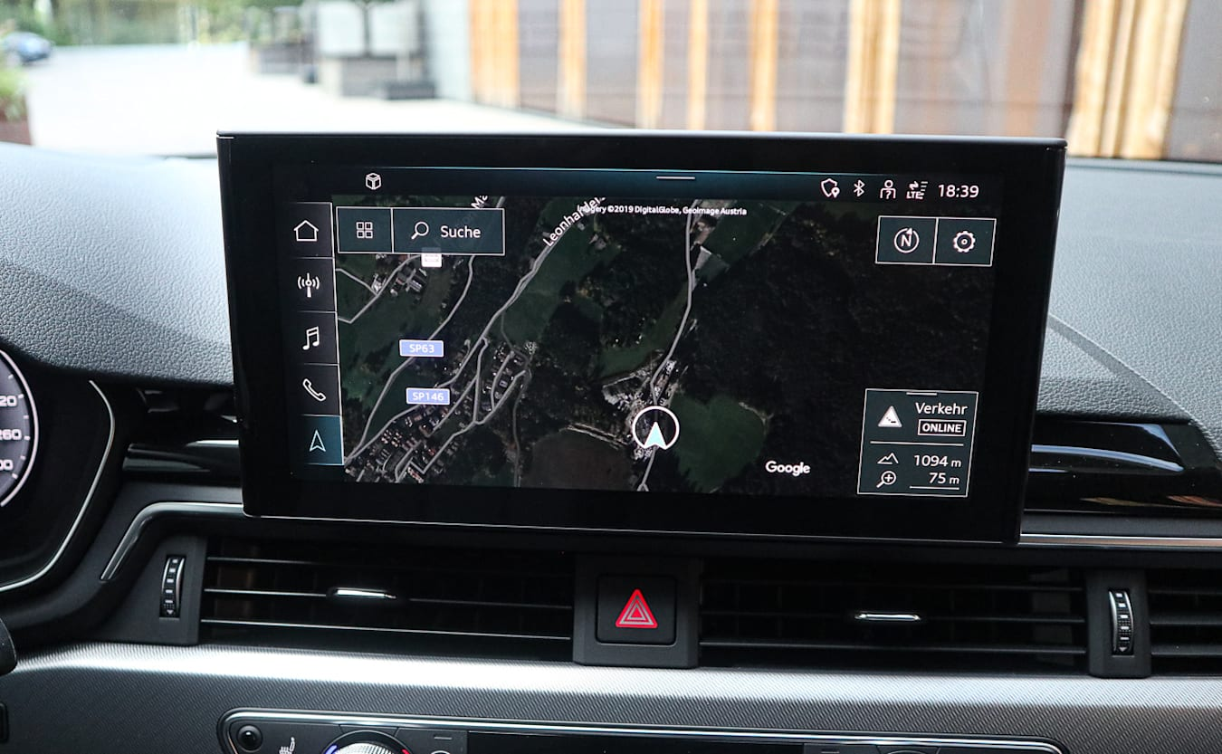 Audi A4 45 TFSI quattro MMI screen 2020