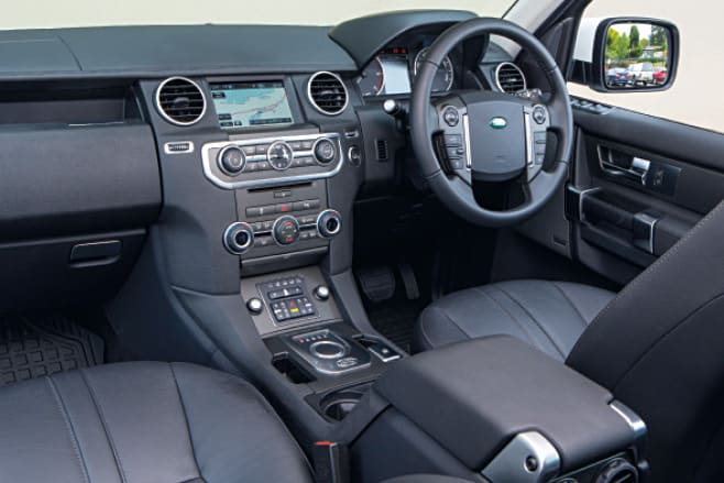 Land Rover Discovery 4 interior
