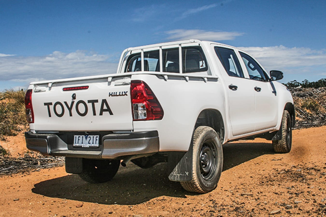 Toyota HiLux 4x4 Workmate side rear