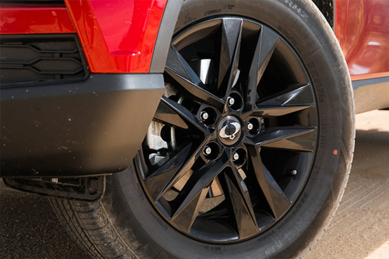 SsangYong Musso XLV Ultimate 18-inch wheels