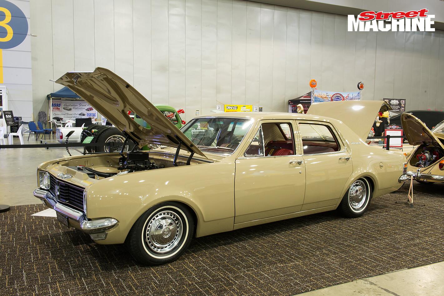 HT Holden 3270